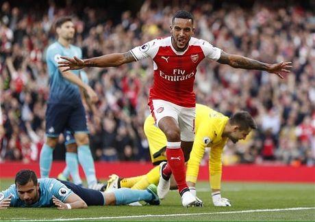 TRUC TIEP vong 8 Premier League: Arsenal 2-1 Swansea. De Bruyne da hong 11m (Hiep 2) - Anh 3