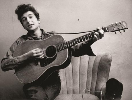 Nobel van chuong 2016: Bat ngo lon khi vinh danh Bob Dylan - Anh 1