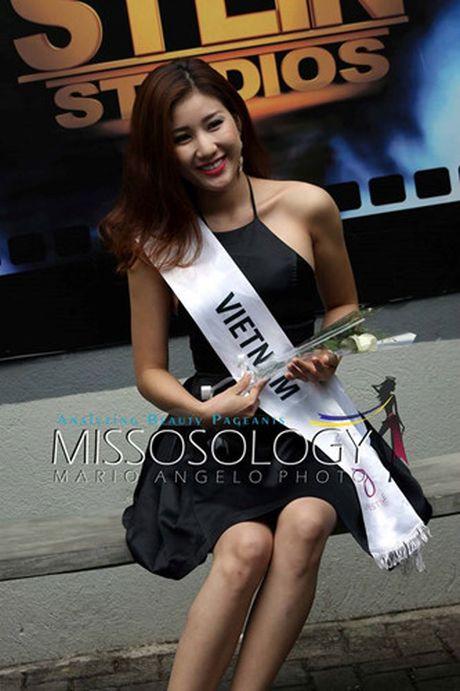 Ngam trang phuc truyen thong cua Bao Nhu tai Hoa hau Lien luc dia 2016 - Anh 9