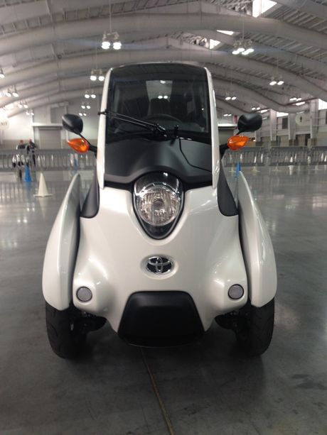 Toyota i-Road - mau xe cho 'giai phap di dong do thi' tuong lai - Anh 5