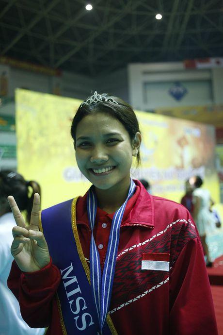 Hoa khoi VTV Cup 2016 gay tranh cai vi... hoi xau - Anh 7