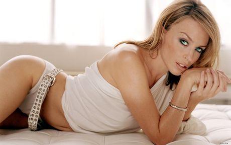 Kylie Minogue - Co ca sy cuong bong da - Anh 3