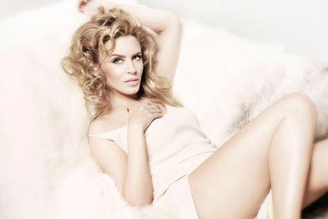 Kylie Minogue - Co ca sy cuong bong da - Anh 5