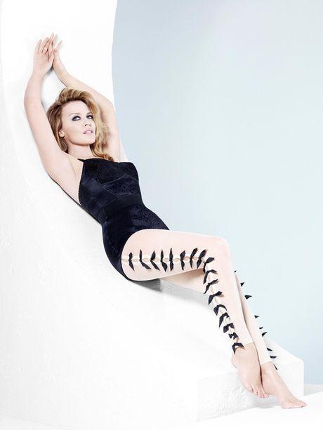 Kylie Minogue - Co ca sy cuong bong da - Anh 9