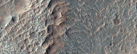Bo anh sao Hoa quy gia gui ve tu tau Mars Reconnaissance Orbiter - Anh 3