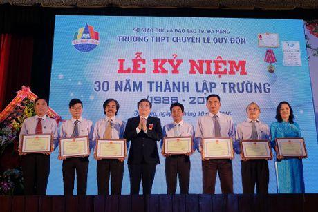 Da Nang: Truong THPT Chuyen Le Quy Don ky niem 30 nam thanh lap - Anh 1