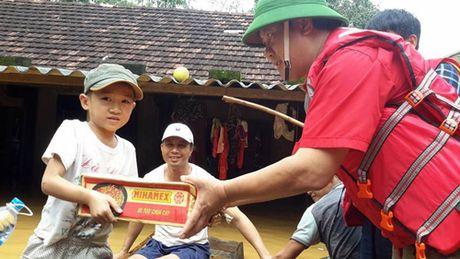 Cuu tro khan cap 1,97 ty dong cho 4 tinh mien Trung - Anh 3