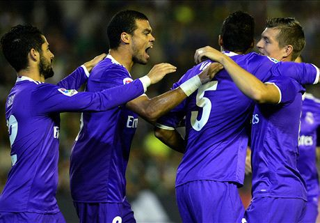 Real Betis 1-6 Real Madrid: Atletico, Barca goi, Real tra loi - Anh 1
