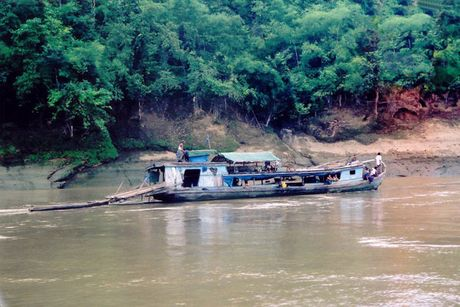 Lat pha tai Myanmar, nhieu nguoi thiet mang va mat tich - Anh 1
