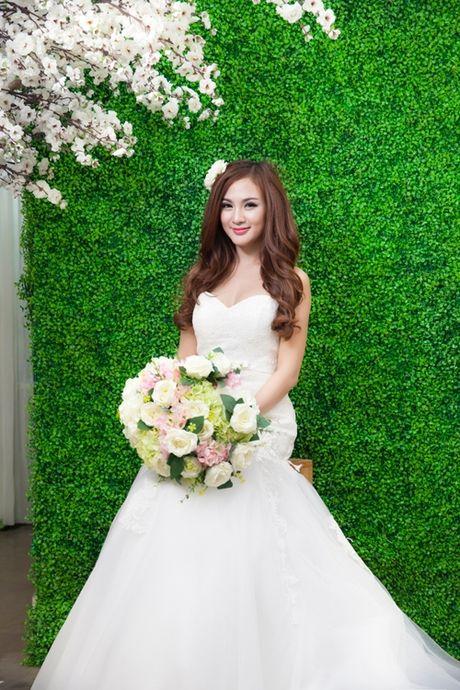 Hot girl Viet dien vay cuoi xinh dep du chua muon lay chong - Anh 10