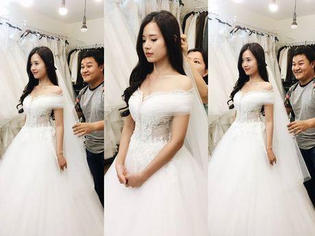 Hot girl Viet dien vay cuoi xinh dep du chua muon lay chong - Anh 4