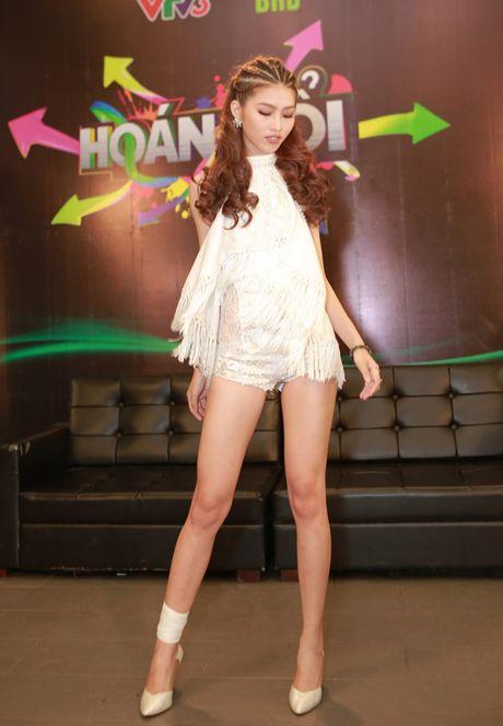 Quynh Chau lon nguoc nguoi tren khong, boc lua voi hit Ha Ho - Anh 6