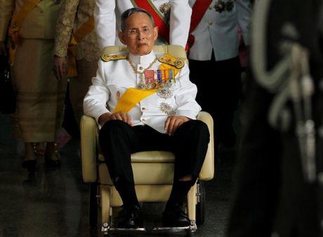 Hoa hau Hoa binh Thai Lan dau don truoc su ra di cua nha vua - Anh 1