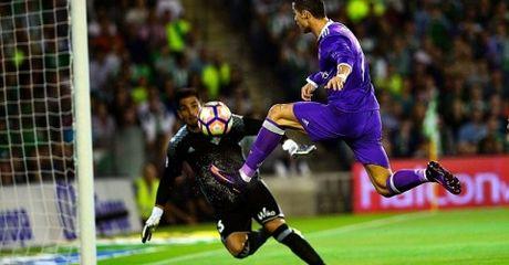 Highlight: Real Betis 1-6 Real Madrid (Vong 8 La Liga) - Anh 1