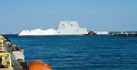 Suc manh 'vo doi' cua kho vu khi tren tau USS Zumwalt vua duoc bien che - Anh 1