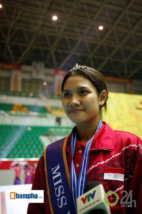 Nguoi dep Indonesia dang quang Hoa khoi VTV Cup 2016 - Anh 10