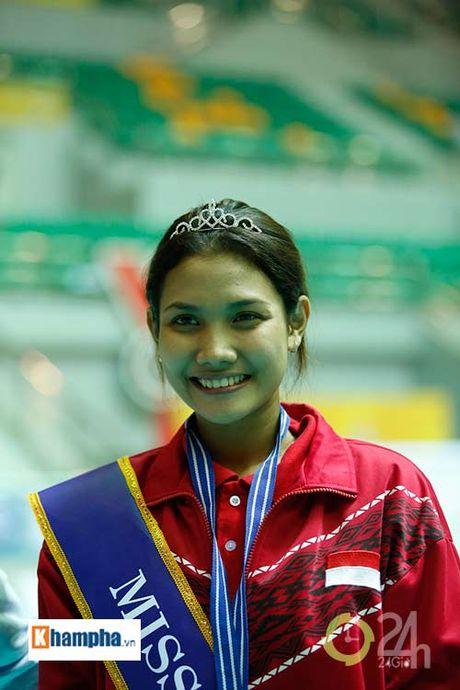 Nguoi dep Indonesia dang quang Hoa khoi VTV Cup 2016 - Anh 1