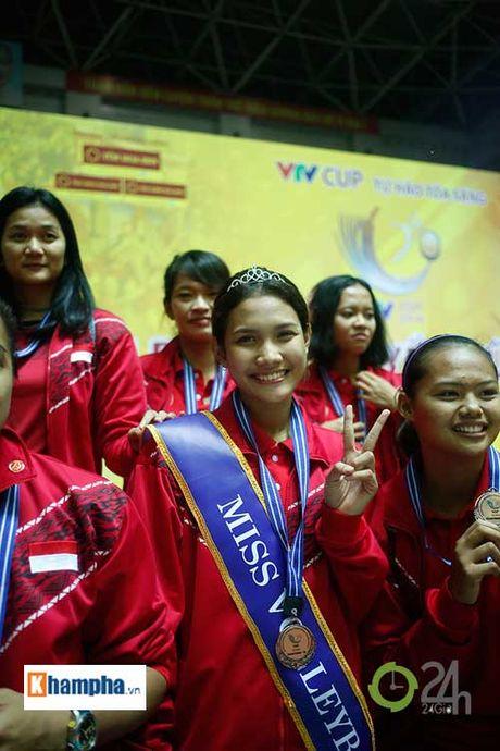 Nguoi dep Indonesia dang quang Hoa khoi VTV Cup 2016 - Anh 6