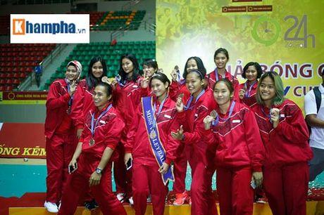 Nguoi dep Indonesia dang quang Hoa khoi VTV Cup 2016 - Anh 8