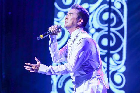 NTK Duc Hung va dan sao hoi ngo tai liveshow 12 ty cua Mr Dam - Anh 1