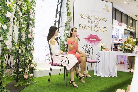 Sach viet ve the gioi dan ong cua sieu mau Ha Anh 'chay hang' - Anh 6