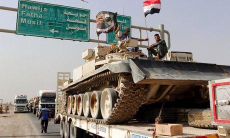 Quan doi Iraq don dap chuyen xe tang, sung coi quyet tai chiem Mosul - Anh 1