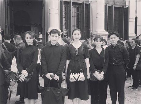 Sao Thai, sao Han cung mac do den lang le toi tien biet Quoc vuong Bhumibol - Anh 3