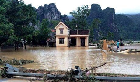 Quang Binh keu goi ho tro khan cap - Anh 1