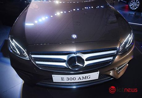 Can canh cap doi Mercedes E-class vua ra mat - Anh 27