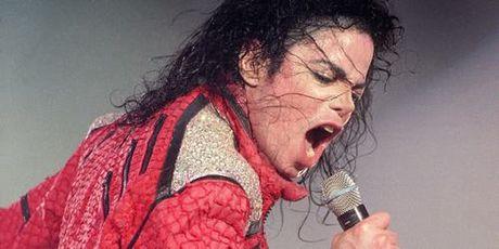 Michael Jackson van kiem boi tien - Anh 1