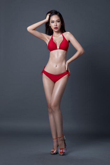 A khoi Phuong Linh cuon hut voi bikini - Anh 1