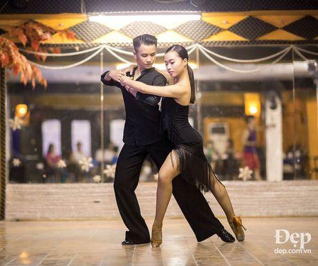 Kien tuong dancesport Nha Khanh: 'Chi Anh tung tim ban nhay moi cho em' - Anh 2