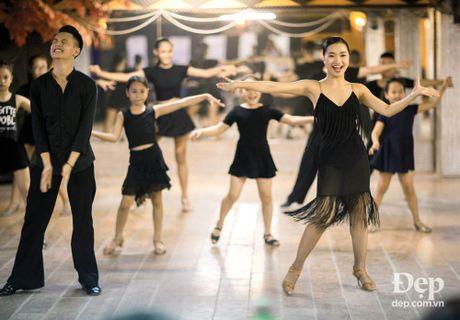 Kien tuong dancesport Nha Khanh: 'Chi Anh tung tim ban nhay moi cho em' - Anh 7