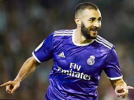 Real Betis 1-6 Real Madrid: 'Danh tennis' tung bung, cham dut ac mong hoa - Anh 2