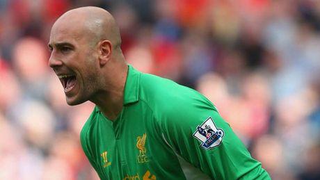 Doi hinh xuat sac nhat cua Liverpool do huyen thoai MU bau chon - Anh 2