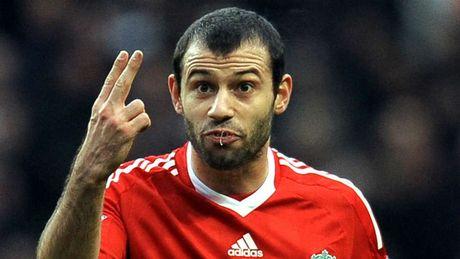 Doi hinh xuat sac nhat cua Liverpool do huyen thoai MU bau chon - Anh 8