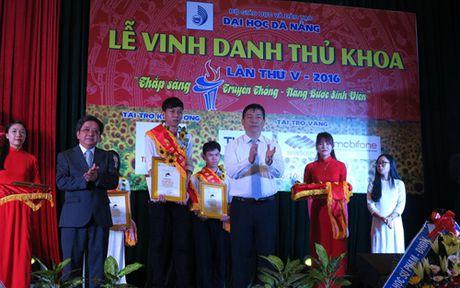 Vinh danh Thu khoa Dai hoc Da Nang lan thu 5 - Anh 1