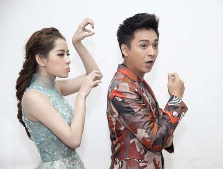 Chi Pu – Ngo Kien Huy dua gion trong hau truong The Voice Kids 2016 - Anh 1