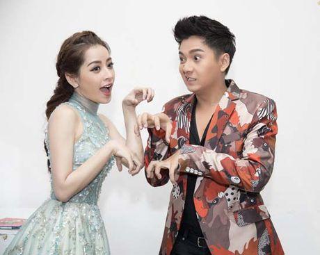 Chi Pu – Ngo Kien Huy dua gion trong hau truong The Voice Kids 2016 - Anh 2