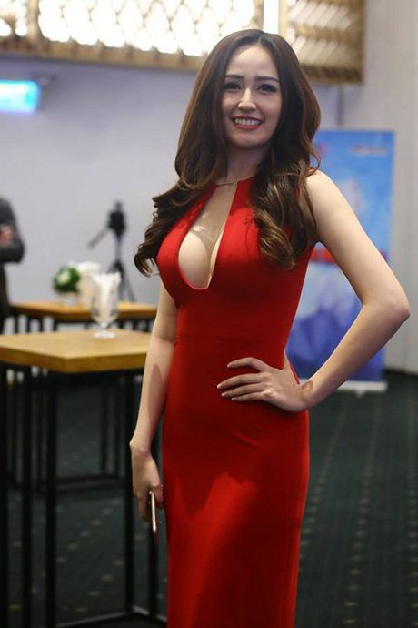Ky Duyen, Mai Phuong Thuy cung chay theo 'con sot' khong noi y - Anh 1
