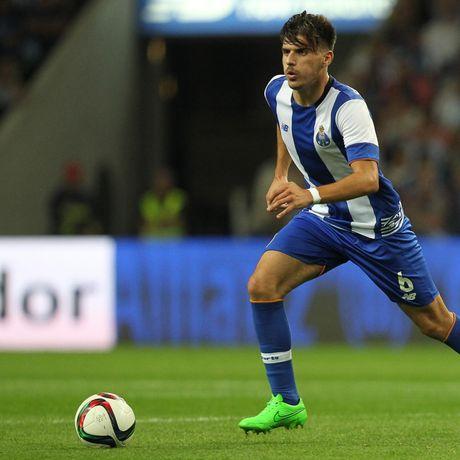 Dai gia Premier League theo duoi sao Porto - Anh 1