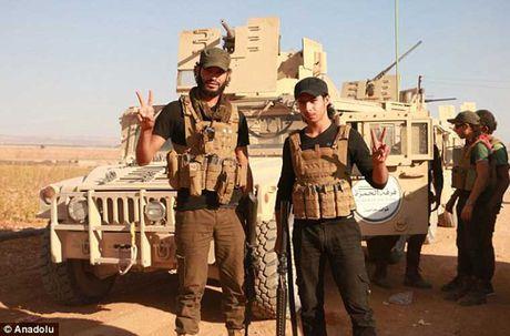 Quan noi day FSA an mung chien thang o Dabiq - Anh 7