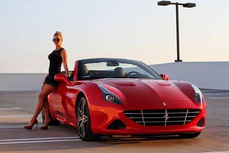 'Bong hong Tay' sexy ben Ferrari California T tien ty - Anh 4