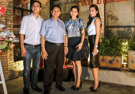 Bat ngo su trung hop ky la giua Tang Thanh Ha va me chong dai gia - Anh 2