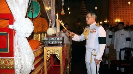 Thai tu Thai Lan hoan le dang co trong 1 nam - Anh 1