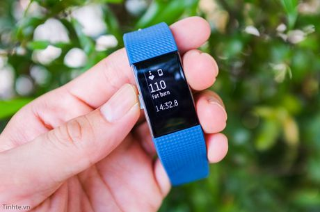 Danh gia Fitbit Charge 2: Da nang, phu hop voi cac ban choi the thao nghiep du - Anh 1