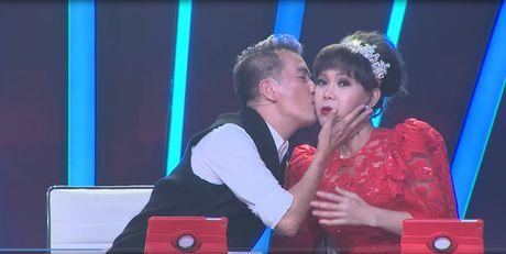 "Buoc nhay ngan can: Viet Huong doi ""lam thiep"" cua Dam Vinh Hung - Anh 5"