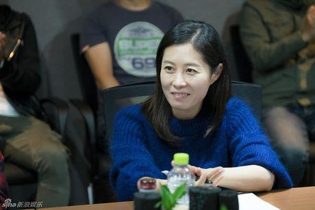 Lee Min Ho dep trai ngoi ngoi ben Jun Ji Hyun trong buoi doc kich ban phim - Anh 4