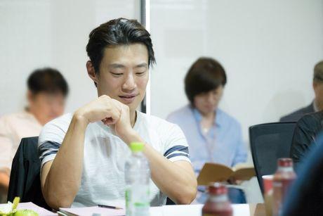 Lee Min Ho dep trai ngoi ngoi ben Jun Ji Hyun trong buoi doc kich ban phim - Anh 5
