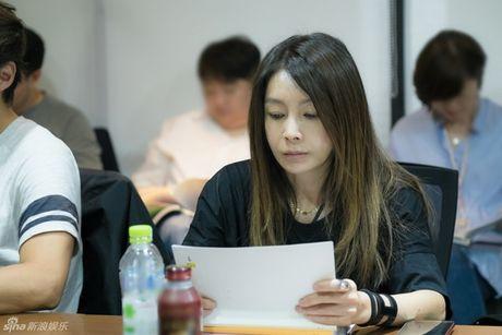 Lee Min Ho dep trai ngoi ngoi ben Jun Ji Hyun trong buoi doc kich ban phim - Anh 7
